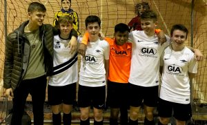 Grimsby Diamonds lead Grimsby U17 league under pressure from Discoveries Rangers